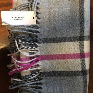 Vero Moda scarf
